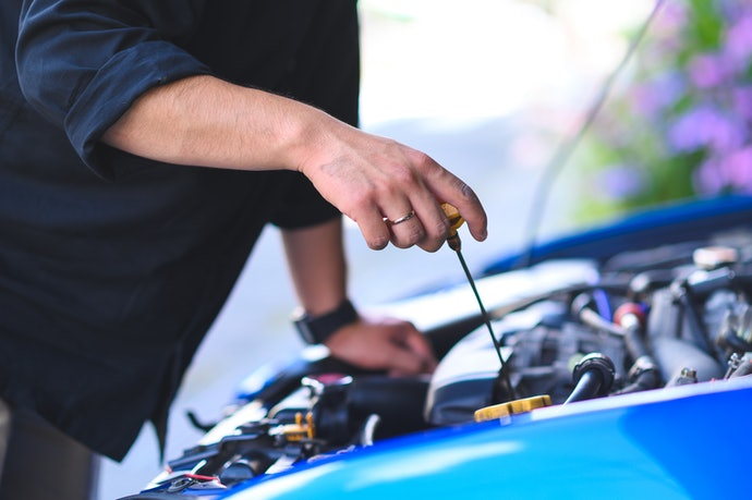 Opt for Synthetic Instead of Conventional Engine Oils