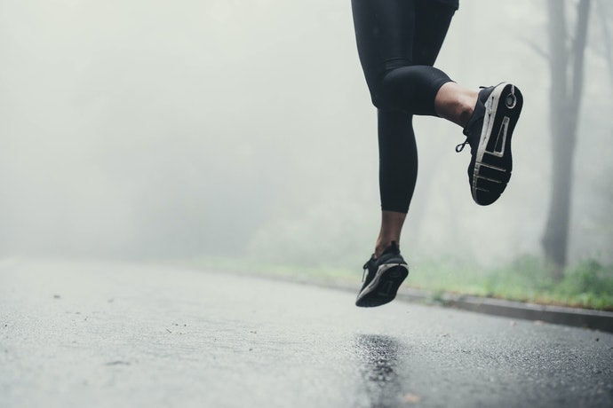Thick Cushioned Shoes for Beginners and for Long Races