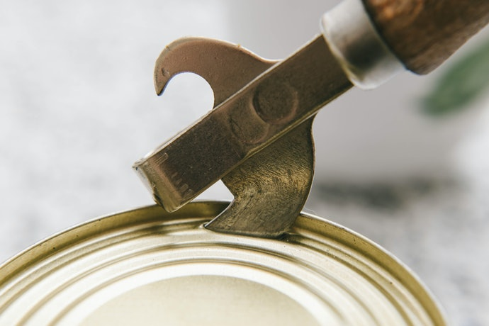 Claw-Shaped Can Openers Need Extra Effort