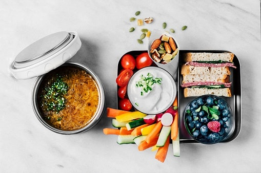 Keep Your Food Warm With Insulated Lunch Boxes
