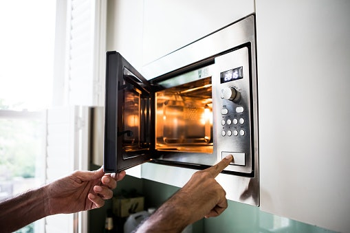 Convection and Microwave Combination Ovens Offers More Cooking Versatility