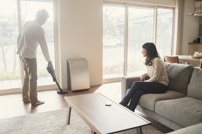 Use a HEPA-certified Vacuum to Trap Dust