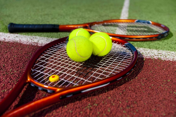 Check the Material Used in the Tennis Racket