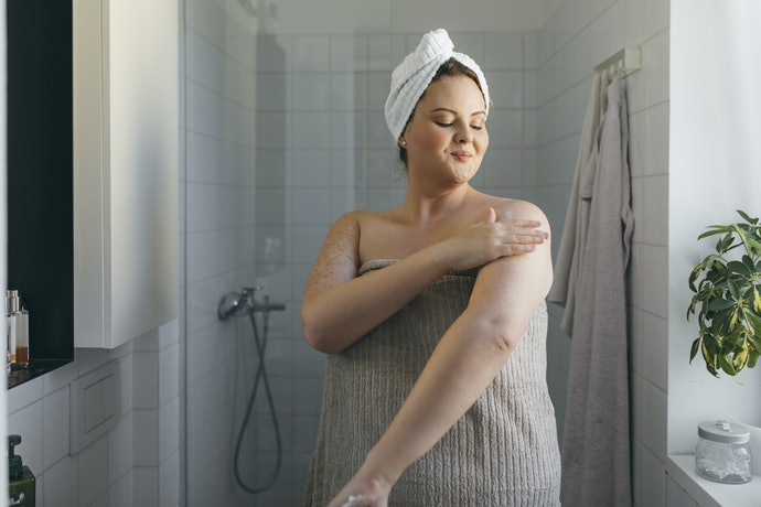 Loops and Buttons Help Keep the Towel in Place
