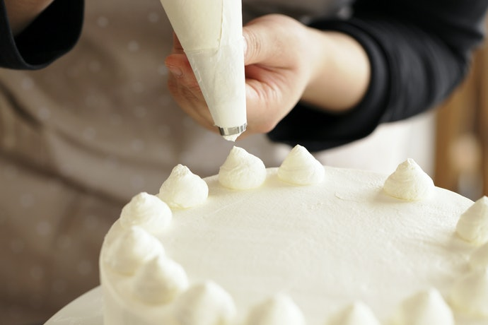 Piping Bags and Nozzles to Create Decorative Figures