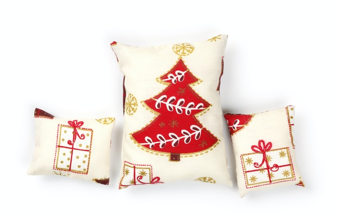 Holiday-themed Fabrics or Linen for a Minimalist Look
