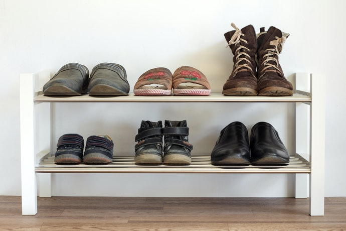 Open Shelf Rack for Your Everyday Shoes