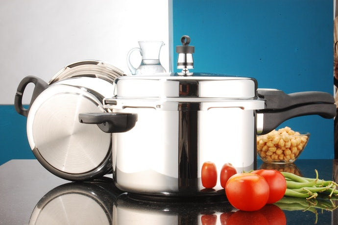 Aluminum: Excellent Heat Conduction for Faster Cooking