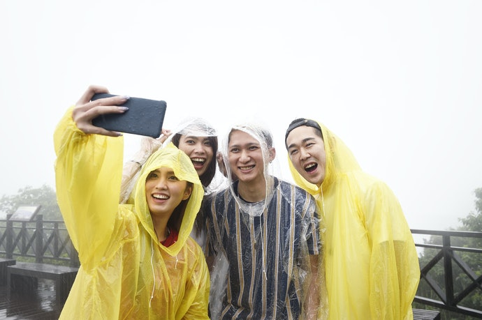 Disposable Raincoats Are Often Used for Emergencies