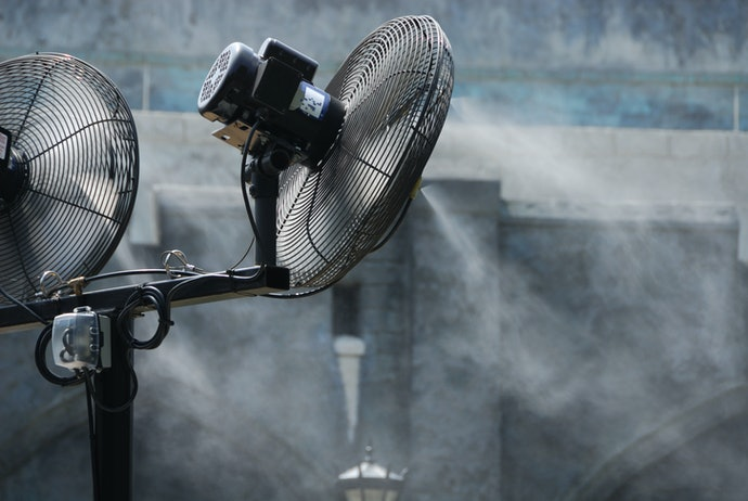Go for a Misting Fan with a High Capacity Water Storage