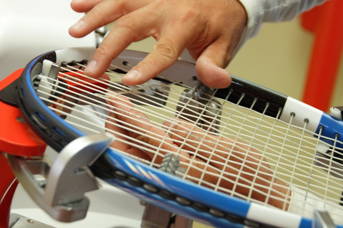 Identify the String Pattern of the Tennis Racket
