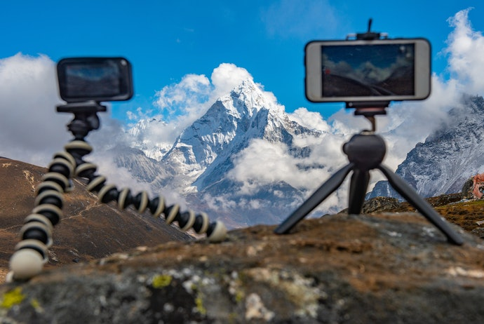 Opt for Tripods Compatible with Different Phones and Gadgets