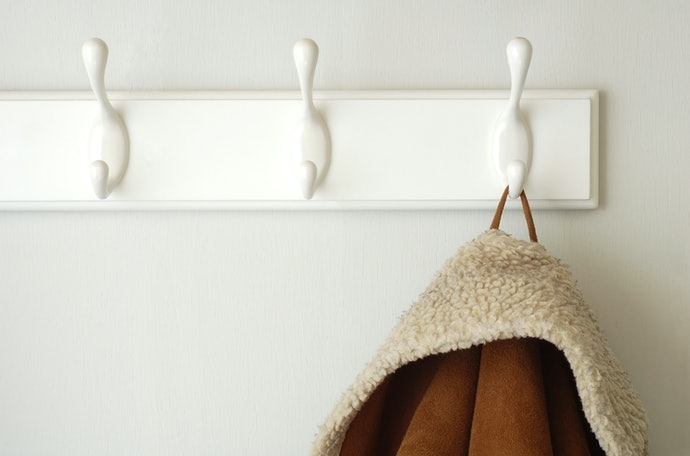 Plastic Hooks Are Perfect for Lightweight Items