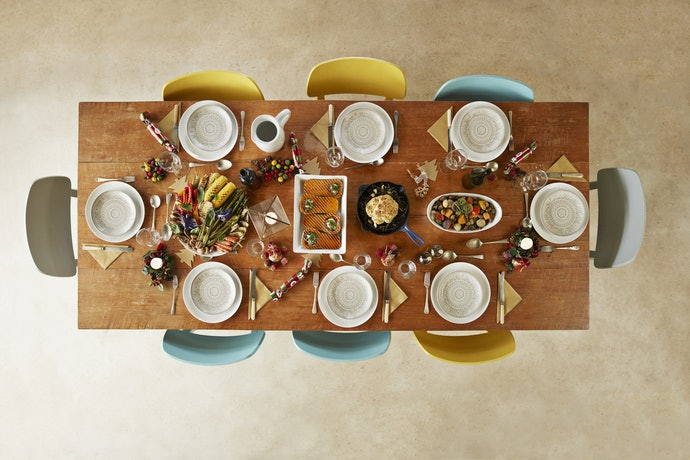 Go for a White Dinnerware Set to Get a Classic Look