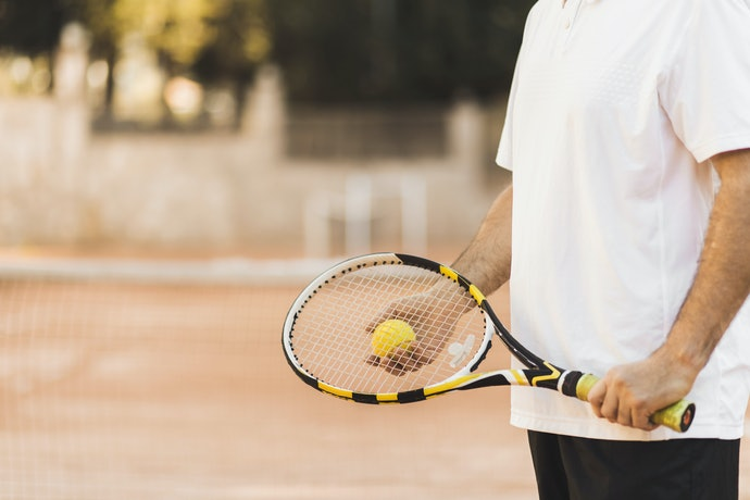 Get a Tennis Racket With the Correct Grip Size