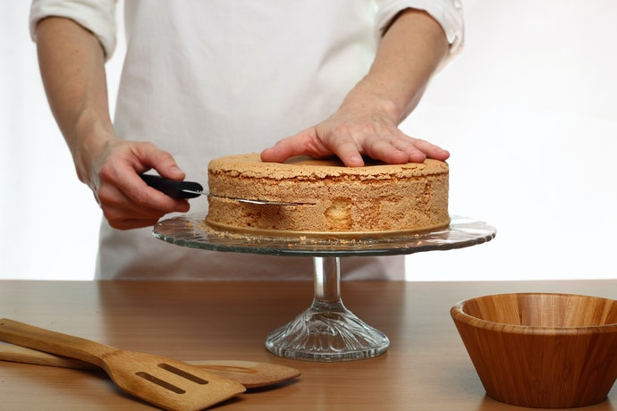 Leveler for Consistent and Neat Cake Layers