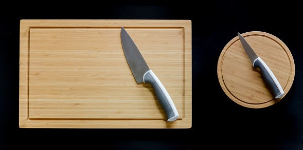 Always Use a Plastic or Wooden Chopping Board While Using the Knife