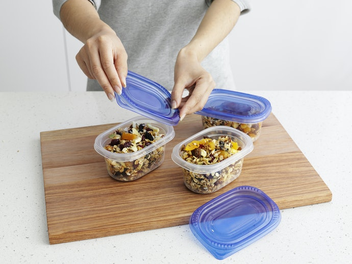 Why Use Microwavable Plastic Food Containers?