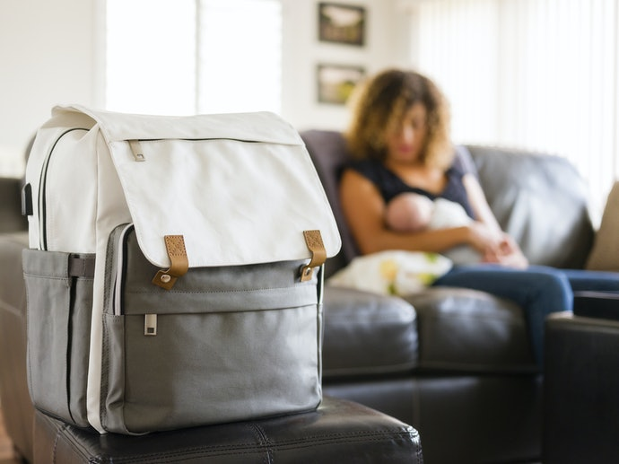 Why Should Moms Use a Backpack?