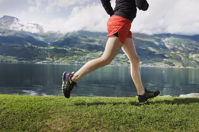 V-Notch and Split-Type Shorts Give the Runner a Wider Range of Motion